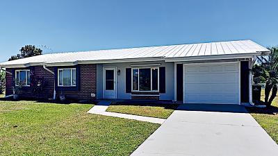 Palm Bay Single Family Home For Sale: 296 Port Malabar Boulevard NE