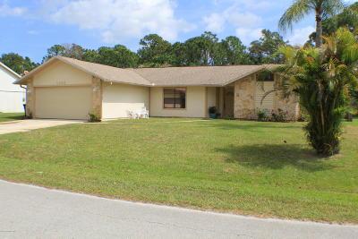 Palm Bay Single Family Home For Sale: 1345 Prospect Circle NE