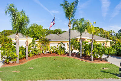 Palm Bay Single Family Home For Sale: 299 Hearth Street SW