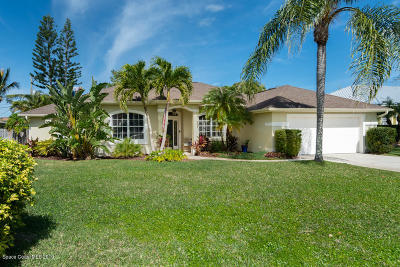Melbourne Beach FL Single Family Home For Sale: $529,900