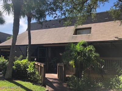 Melbourne Beach FL Condo For Sale: $180,000