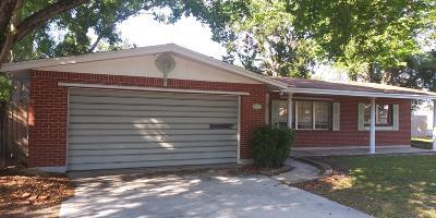 Titusville Single Family Home For Sale: 900 Rozen Avenue