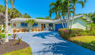 Melbourne Beach Single Family Home Contingent: 104 Amigos Road