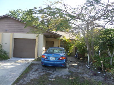 Merritt Island Half Duplex For Sale: 157 Lucas Road