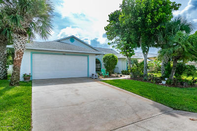 Melbourne Beach FL Single Family Home For Sale: $359,000
