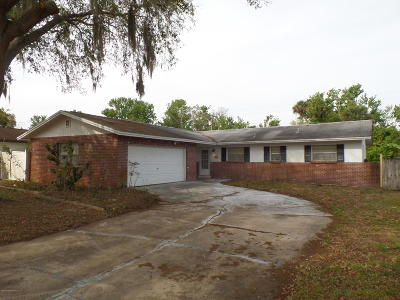 Brevard County Single Family Home For Sale: 900 S Lake Road