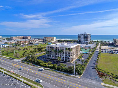 Cocoa Beach FL Condo For Sale: $300,000
