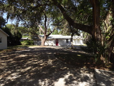 Titusville Single Family Home For Sale: 1518 Roger Drive