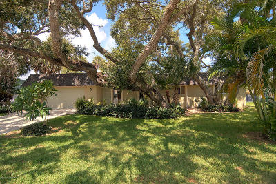 Melbourne Beach Single Family Home For Sale: 322 Arrowhead Lane
