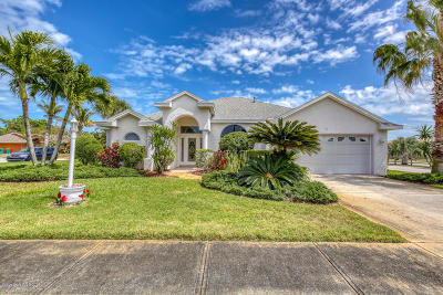 Indian Harbour Beach Single Family Home For Sale: 1 Indian Harbour Court