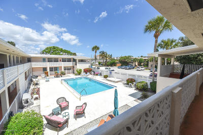 Cocoa Beach Condo For Sale: 350 Woodland Avenue #14