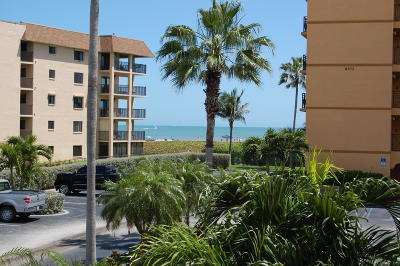 Cape Canaveral Condo For Sale: 8470 Ridgewood Avenue #202