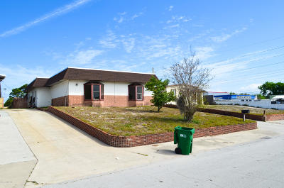Cocoa Single Family Home For Sale: 1606 Highland Court