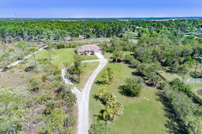 Palm Bay Single Family Home For Sale: 4035 Hield Road NW