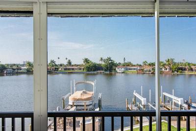 Cocoa Beach Condo For Sale: 205 S Banana River Boulevard #404