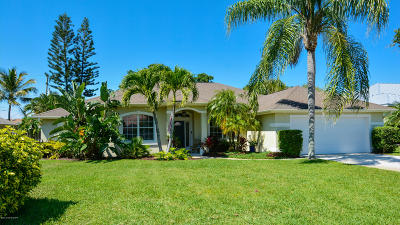 Melbourne Beach Single Family Home For Sale: 240 Seaglass Drive
