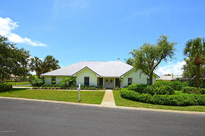 Vero Beach Single Family Home For Sale: 2175 Oyster Bay Drive