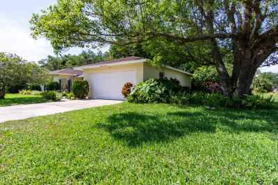 Titusville Single Family Home For Sale: 1414 Turnesa Drive