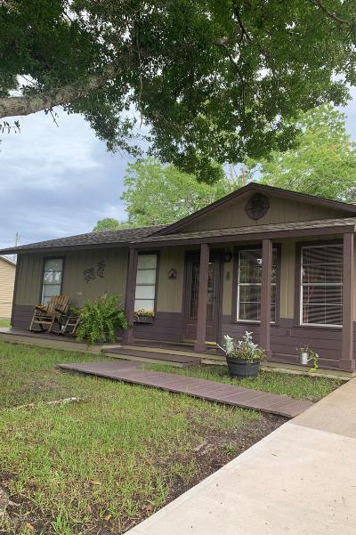 Palm Bay Single Family Home For Sale: 578 Tropicaire Avenue SW
