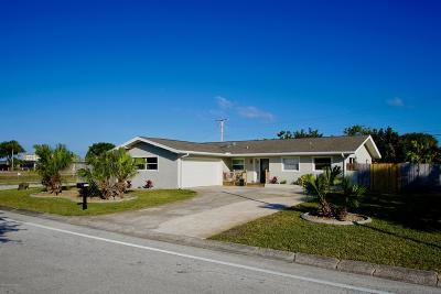 Indian Harbour Beach Single Family Home For Sale: 1117 Cheyenne Drive