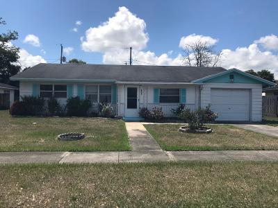 Titusville Single Family Home For Sale: 2937 E Cooper Drive
