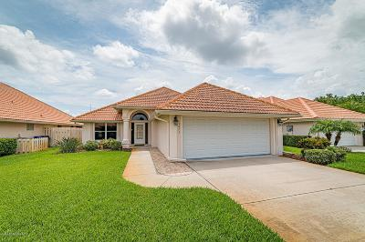 Titusville Single Family Home For Sale: 1875 James Circle