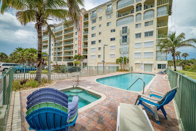 Cocoa Beach Condo For Sale: 420 Harding Avenue #405