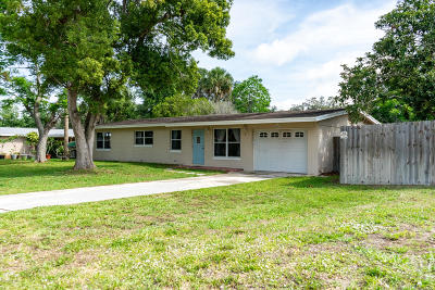 Titusville Single Family Home For Sale: 1423 Bell Terrace