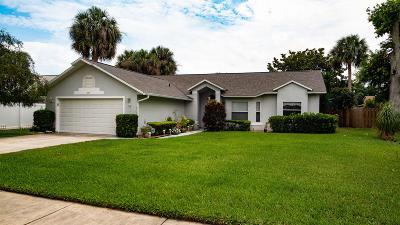 Merritt Island Single Family Home For Sale: 295 Quail Drive