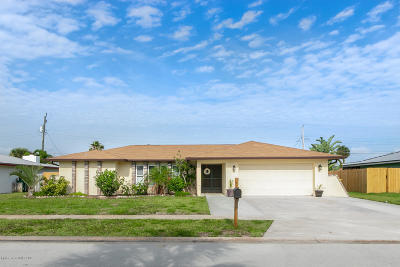 Satellite Beach, Port Canaveral, Indian Harbour Beach, Cape Canaveral, Indialantic, Cocoa Beach, Melbourne Beach Single Family Home Backups: 676 Verbenia Drive