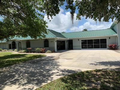 Titusville Single Family Home For Sale: 7516 Egret Drive