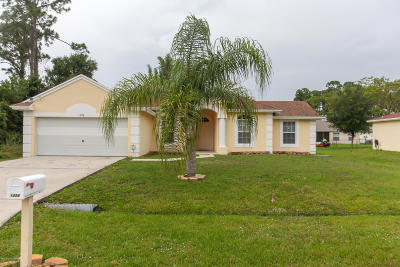 St. Lucie County Single Family Home For Sale: 1226 SE Naples Lane