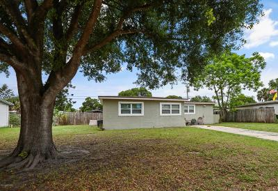 Merritt Island Single Family Home For Sale: 520 Seacrest Avenue