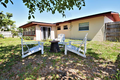 Merritt Island Single Family Home For Sale: 1575 Glen Haven Drive