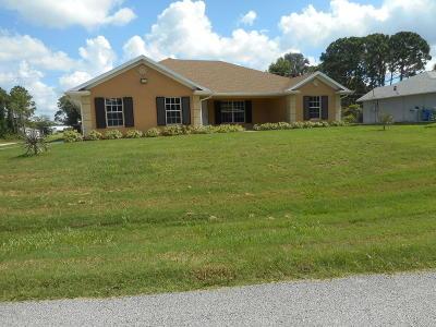 Palm Bay Single Family Home For Sale: 1395 Harwick Street SW