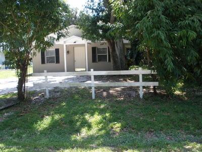 Vero Beach Single Family Home Contingent: 146 49 Avenue