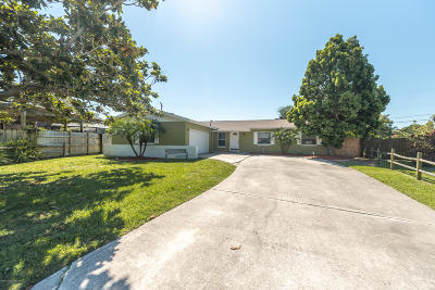 Brevard County Single Family Home For Sale: 1730 Exeter Drive