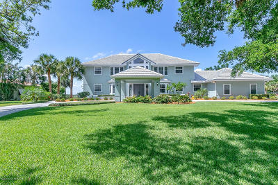 Merritt Island Single Family Home For Sale: 200 Stewart Drive