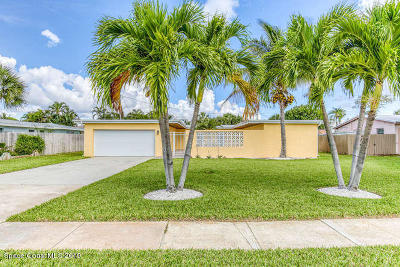 Indian Harbour Beach Single Family Home For Sale: 1136 Pinetree Drive