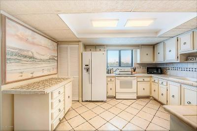 Cocoa Beach Condo For Sale: 4600 Ocean Beach Boulevard #201