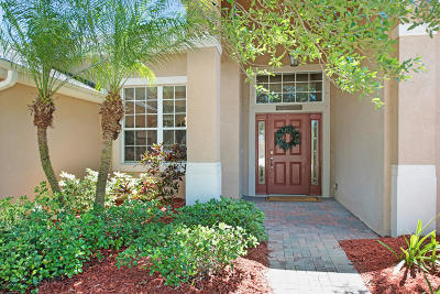 Palm Bay Single Family Home For Sale: 165 Brandy Creek Circle SE