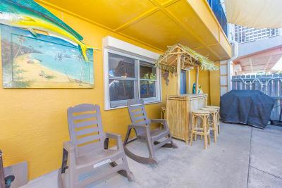 Indialantic, Melbourne, Melbourne Beach, Satellite Beach, Cocoa Beach, Cape Canaveral Townhouse For Sale: 7914 Aurora Court