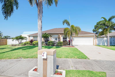 Merritt Island Single Family Home For Sale: 3210 Biscayne Drive