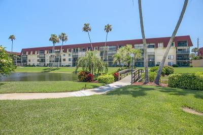 Cocoa Beach Condo For Sale: 760 S Brevard Avenue #312