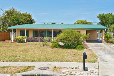 Merritt Island Single Family Home For Sale: 780 Jacaranda Street