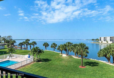 Cocoa Beach Condo For Sale: 3873 S Banana River Boulevard #301