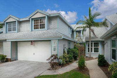 Indian Harbour Beach Townhouse For Sale: 407 Tradewinds Drive #407