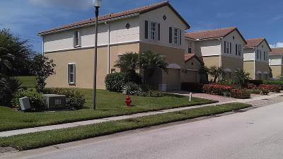 Vero Beach Townhouse For Sale: 319 Versailles Lane #319