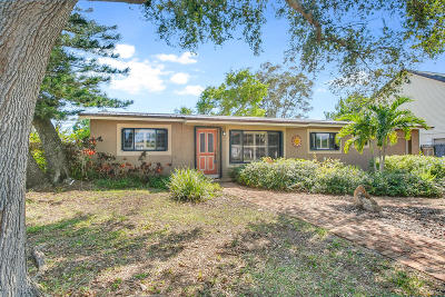 Indian Harbour Beach Single Family Home For Sale: 217 Osage Drive