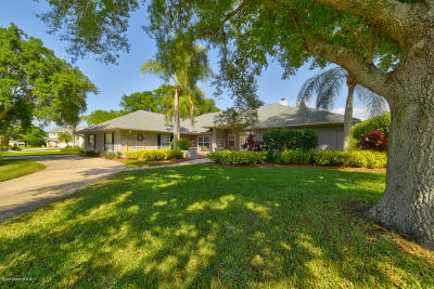 Melbourne Single Family Home For Sale: 521 Spring Lake Drive